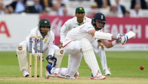 Of Empires and Umpires: Cricket and Politics in Pakistan
